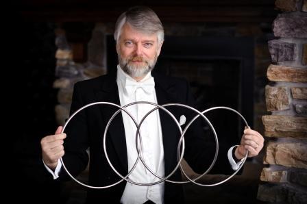 Magician Richard Hatch (Levi Sim photo)