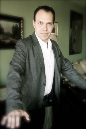 Magician Byron Grey