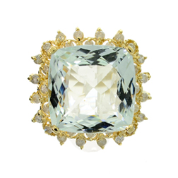 14K gold ring, aquamarine and diamonds with total weight of 19.14 carats