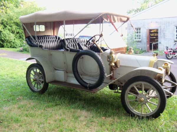"1912 Moyer will lead the ""Decades of Dublin"" Parade"