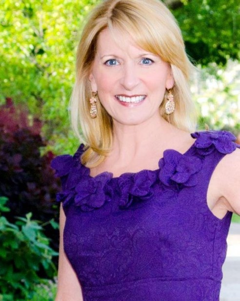 Keynote Speaker for Women's Reinvention Summit Lynn Bardowski