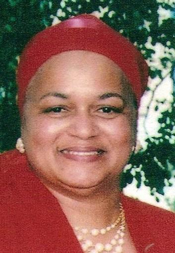 Editor Ayesha K Mustafaa - red