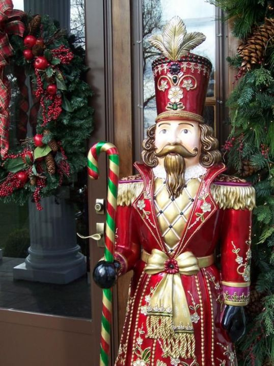 Harrodsburg gets decked out for the holidays.