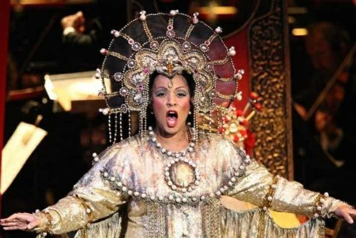 Soprano Othalie Graham as Turandot