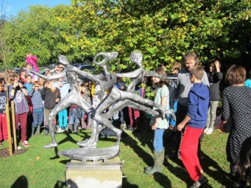 Dunhurst pupils unveil sculpture