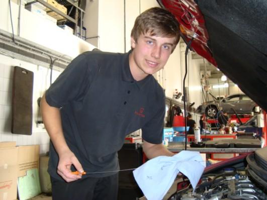 New apprentice at Brayley Honda St Albans, James Gilbert