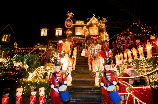 Christmas Lights & Cannoli Tour - 4