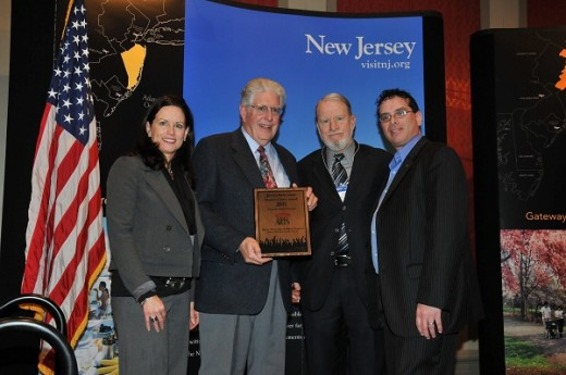 Board Members Tom Balidino & Jim Murphy accepting award from OceanFirst FDN