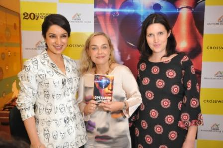 Tisca Chopra Pia Heikkila  Rachel O'Brian at Cross