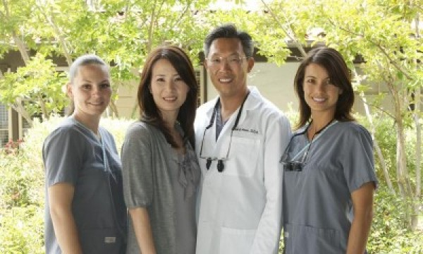 Mission Viejo dentist Edward Moon, DDS and staff