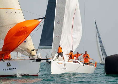 Sell Side Dream looks for a space at the leeward mark RHKYC/Guy Nowell