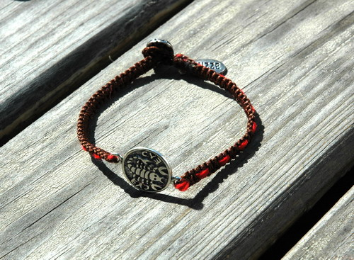 inlaid_red-string-MIZZE_Jewelry