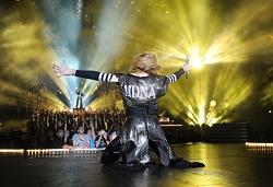 Madonna_MDNA_copyright_Kevin_Mazur
