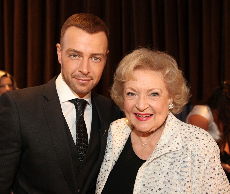 Joey Lawrence and Betty White