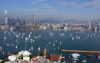 Victoria Harbour full of Sails, Around the Island Race (RHKYC / Koko Mueller)