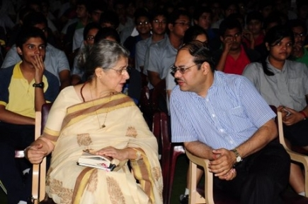 Ms. Hameed with Shri Pradip Agarwal, CEO, The Heritage