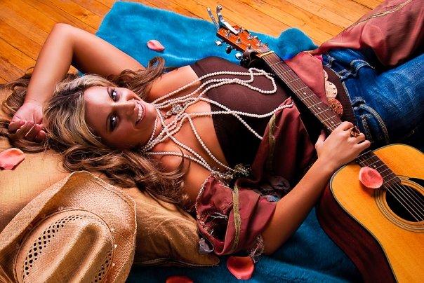 Skyla Spencer - entertainer, musician, author