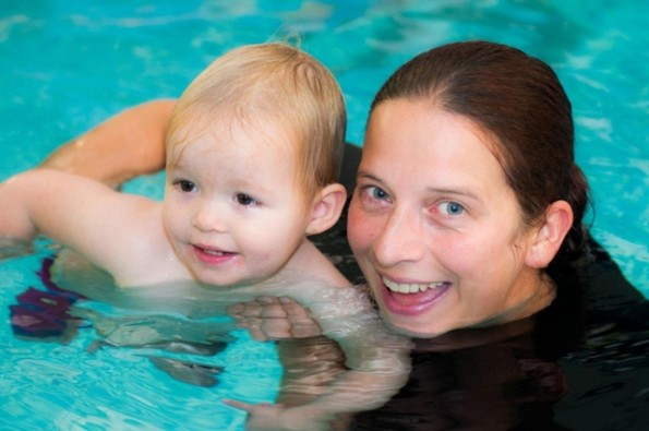 Wendy Edmondson with a young Aqua Babies pupil