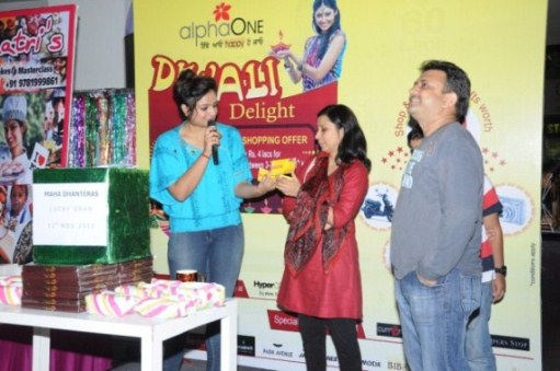 Winners of Maha Dhanteras Lucky Draw at AlphaOne,