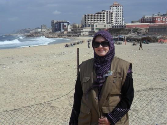 Aishah Schwartz in Gaza 9 Nov 12