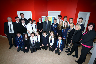 Dr Alasdair Allan MSP, Minister for Learning, visits Kyle Academy.