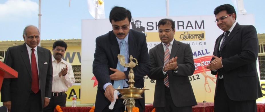 Arun Duggal, Chairman of Shriam Group, Vinod Dasar