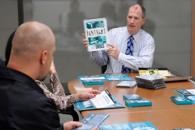 jim-mathers-briefing-staff_table