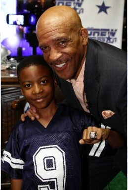 Drew Pearson Helps Make-A-Wish
