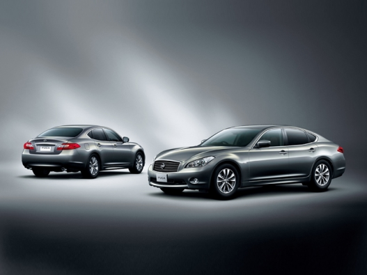 2012 Nissan Altima Tops Sales Record