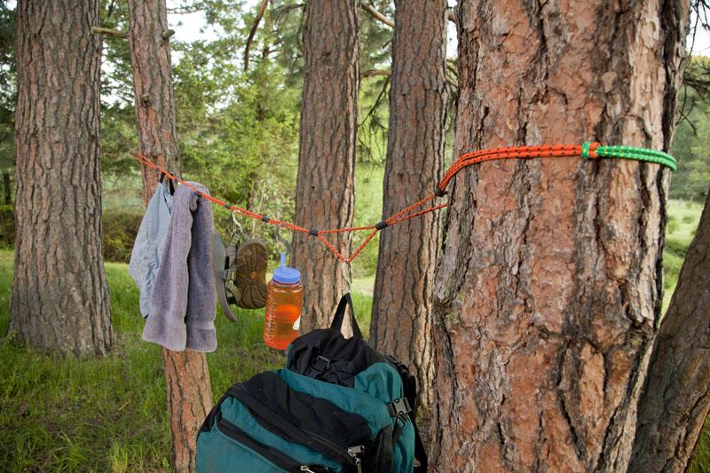 camping-storage-ropes
