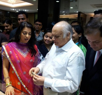 Juhi Chawla at Suranas Jewelove