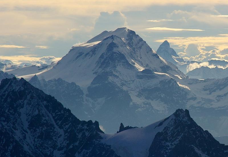 Ski Mont Blanc vertical with Ski 4 Cancer, Alpine Elements & iGOSKI