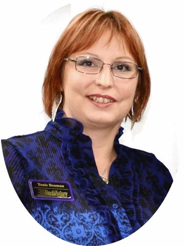 Meet Tonie Boaman, 24 Hour Traveling Notary & Resource Queen