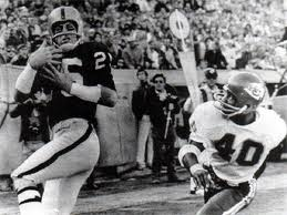 2013 Honoree Fred Biletnikoff honored at Clarion Lake Erie and Bel-Aire