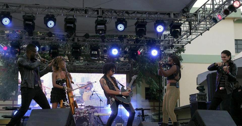 AQ Band