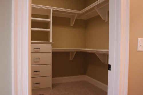 Creating an Efficient Walk-in Closet