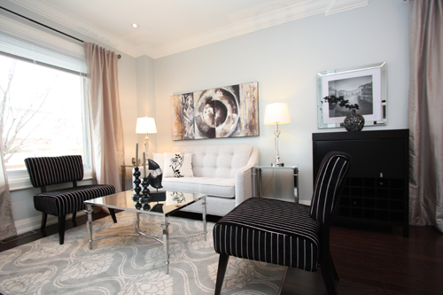 Contemporary Living Room Staging by www.staged2sell.ca