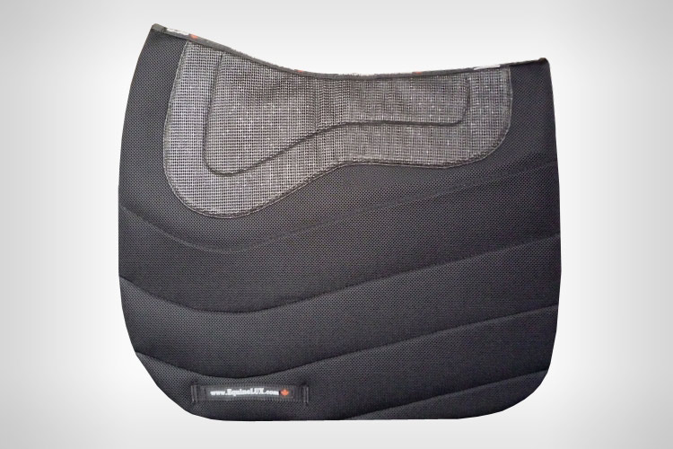 Dressage saddle pads