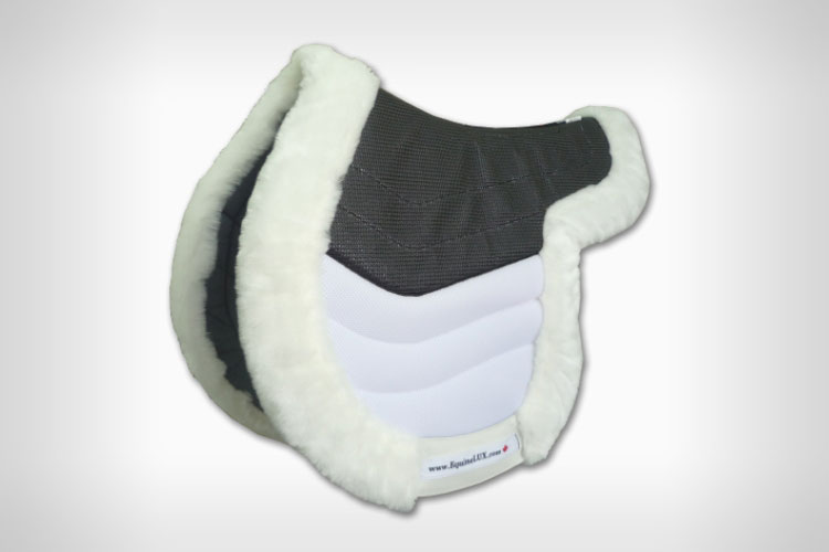 Hunter saddle pads