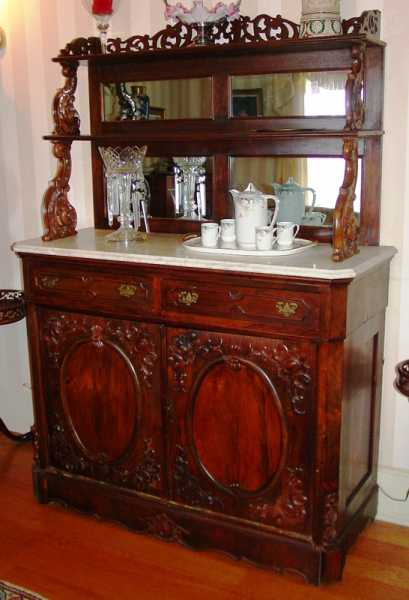 Rosewood rococo etagere with white marble top