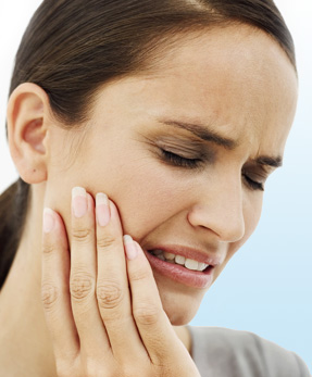 woman-tooth-pain