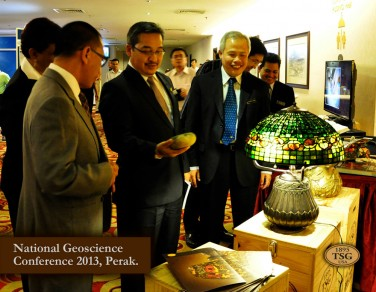 Members of government and geological society Malaysia visit TSG 1895 USA's booth