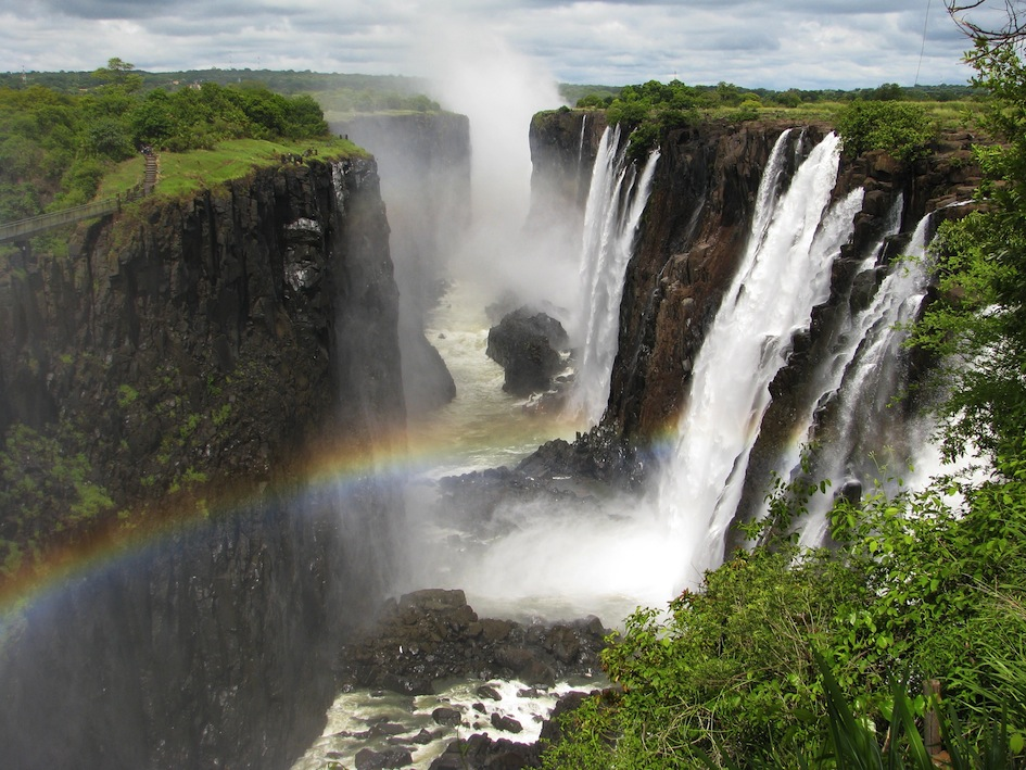 Victoria Falls on the most luxurious golf challenge