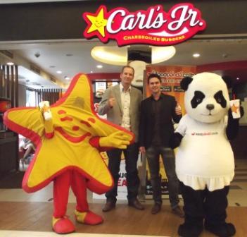 Carl's Jr CEO Mr. Sander Blauw with foodpanda Thailand MD Mr Alexander Felde