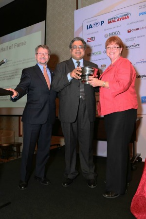 Raman Roy inducted into IAOP Outsourcing Hall of Fame