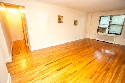 Condos for Sale in East Elmhurst_22-09 76th St_Gar