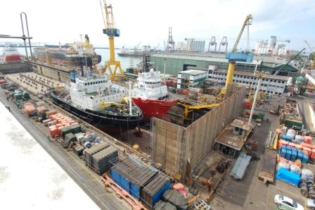 OSV. SIEM SASHA  IN DRYDOCK NO. 04 DURING HER CALL TO COLOMBO