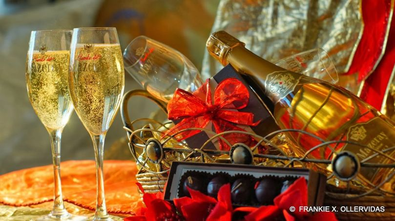 Comte de Mazeray 24k Gold Champagne & Truffles by Confectionally Yours