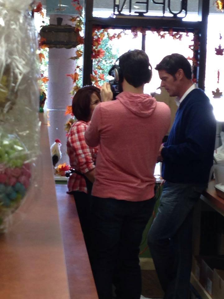ABC 7's John Muller Visits Suzi's Sweet Shoppe