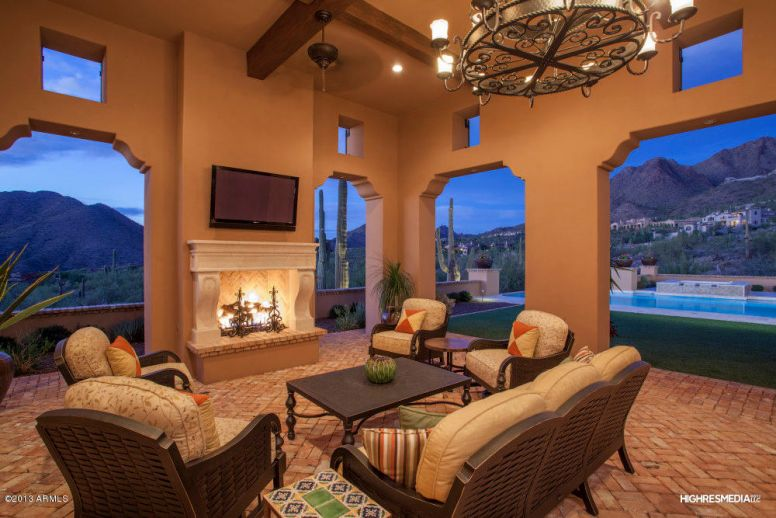Desert canyon middle school district luxury homes realtor for Mansions for sale in scottsdale az